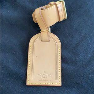 Louis Vuitton Luggage Tag & Powanie Charm Leather